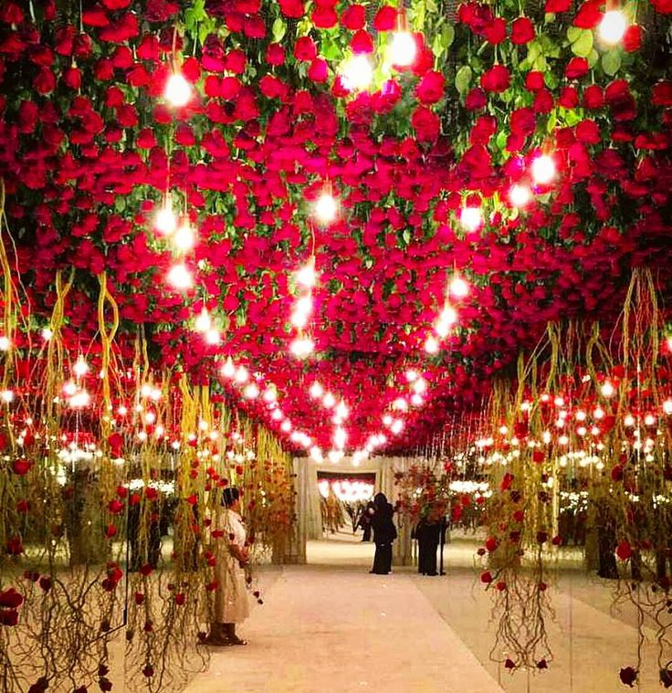 25 Unique Wedding Ideas To Get Inspire: Shades Of Red For Inspiration